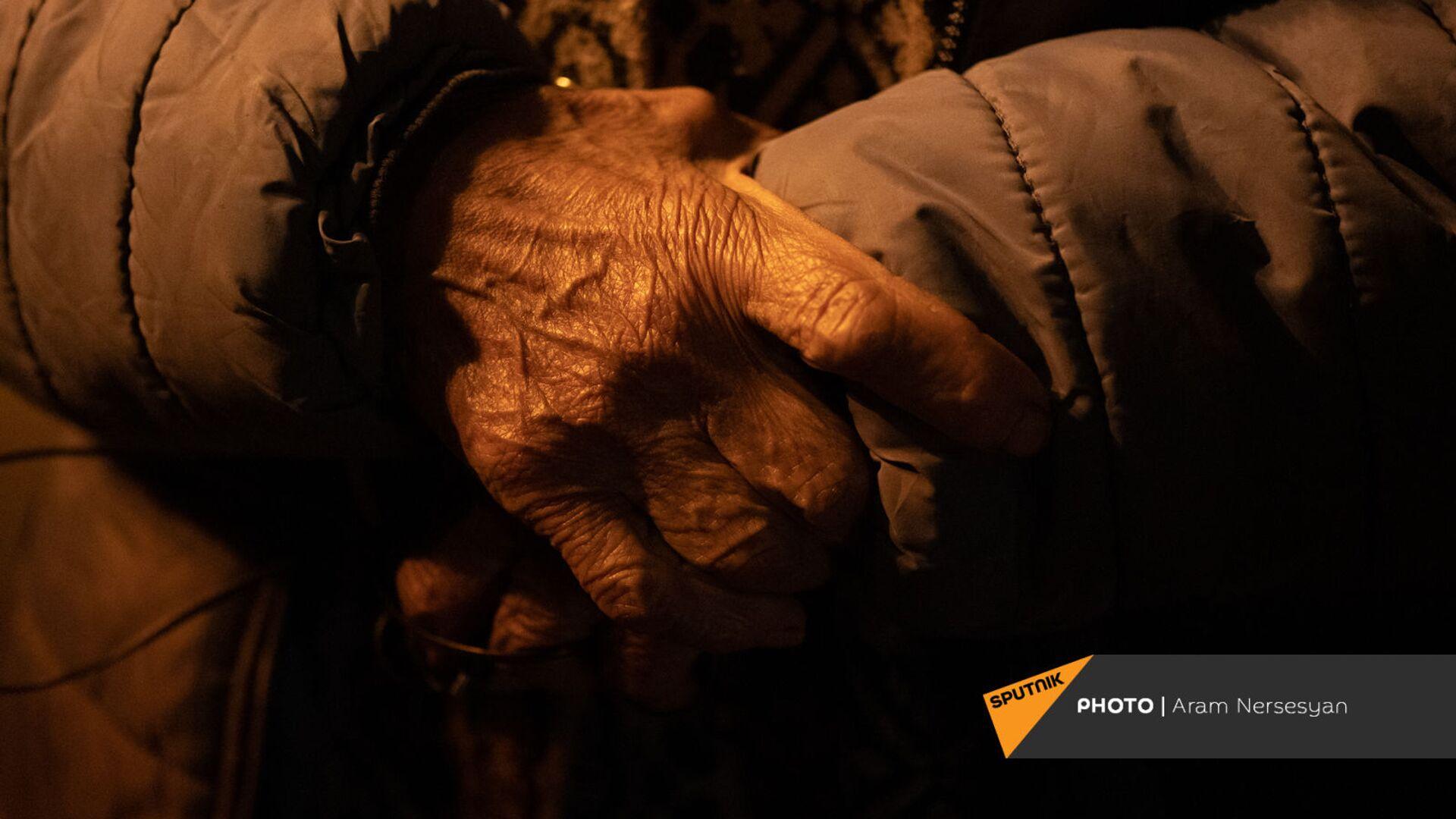 Беженцы из Карабаха прибыли из Еревана в Степанакерт (15 ноября 2020). Карабах - Sputnik Армения, 1920, 19.09.2021