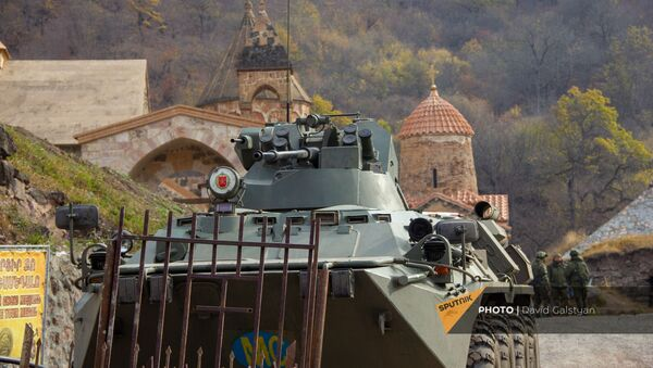 Российские миротворцы у монастырского комплекса Дадиванк (16 ноября 2020). Карабах - Sputnik Армения
