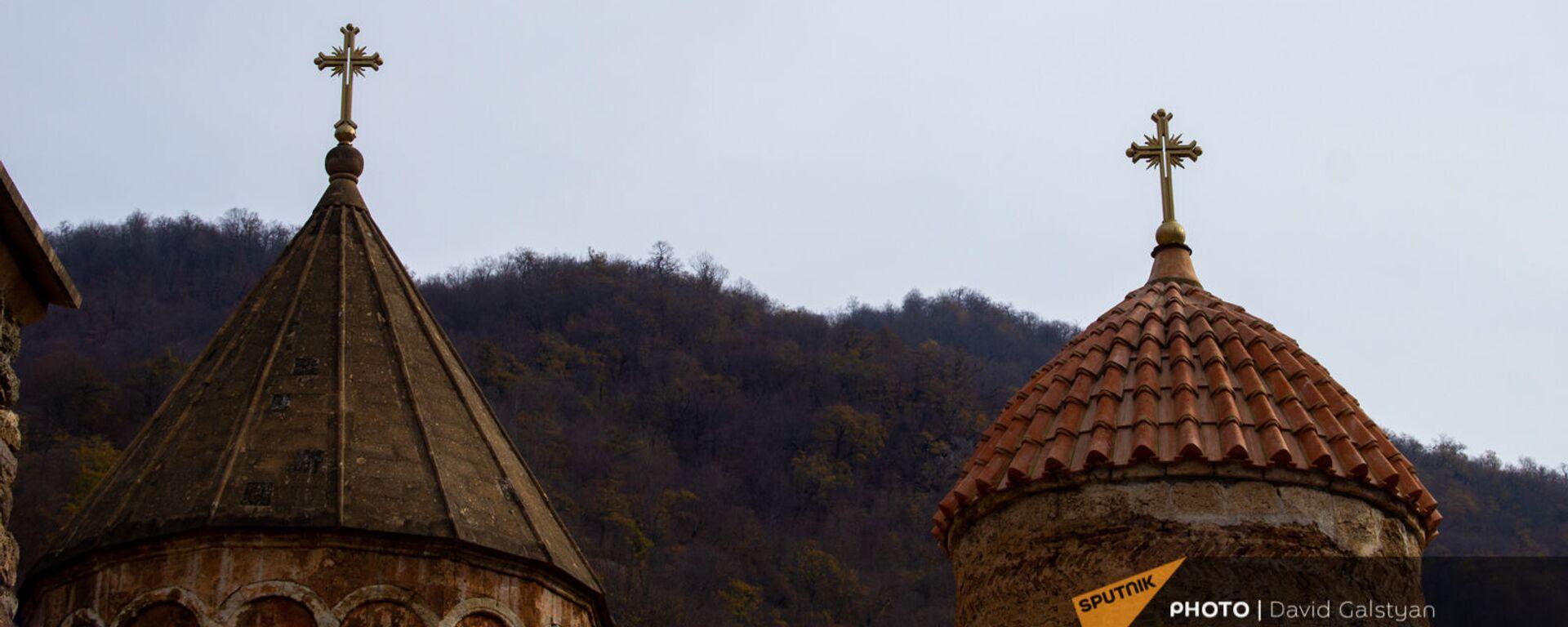 Российские миротворцы у монастырского комплекса Дадиванк (16 ноября 2020). Карабах - Sputnik Армения, 1920, 25.11.2020