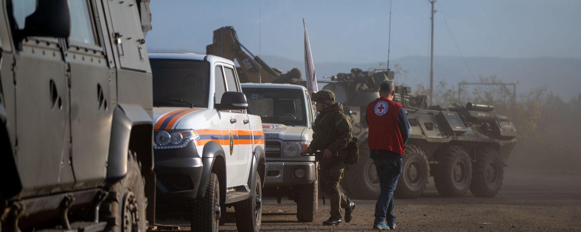 Блокпост российских миротворческих сил в Лачинском коридоре (17 ноября 2020). Карабах - Sputnik Արմենիա, 1920, 18.09.2021