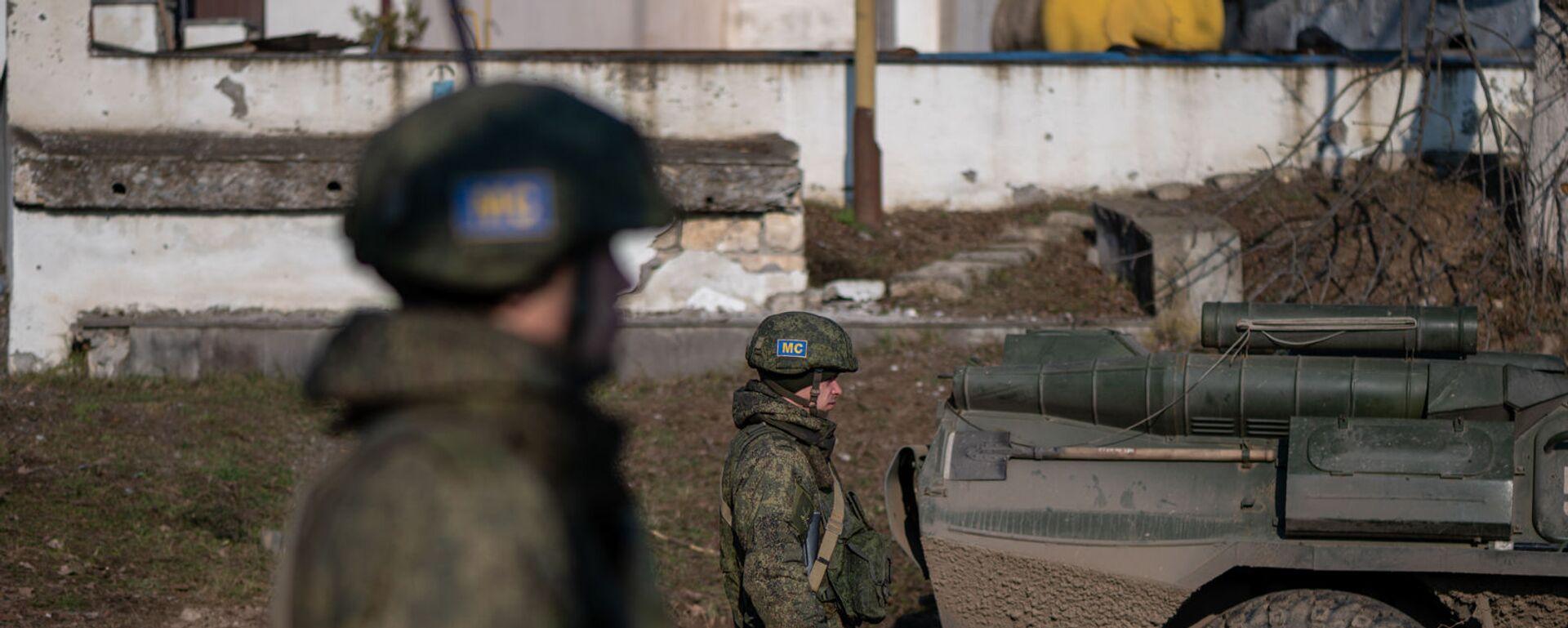 Блокпост российских миротворческих сил в Лачинском коридоре (17 ноября 2020). Карабах - Sputnik Արմենիա, 1920, 12.08.2021