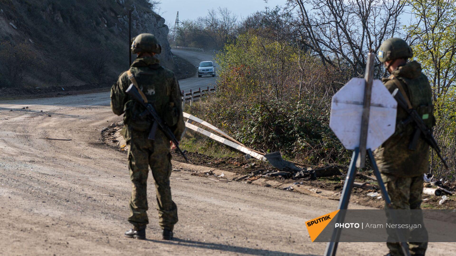 Блокпост российских миротворческих сил в Лачинском коридоре (17 ноября 2020). Карабах - Sputnik Армения, 1920, 12.09.2021