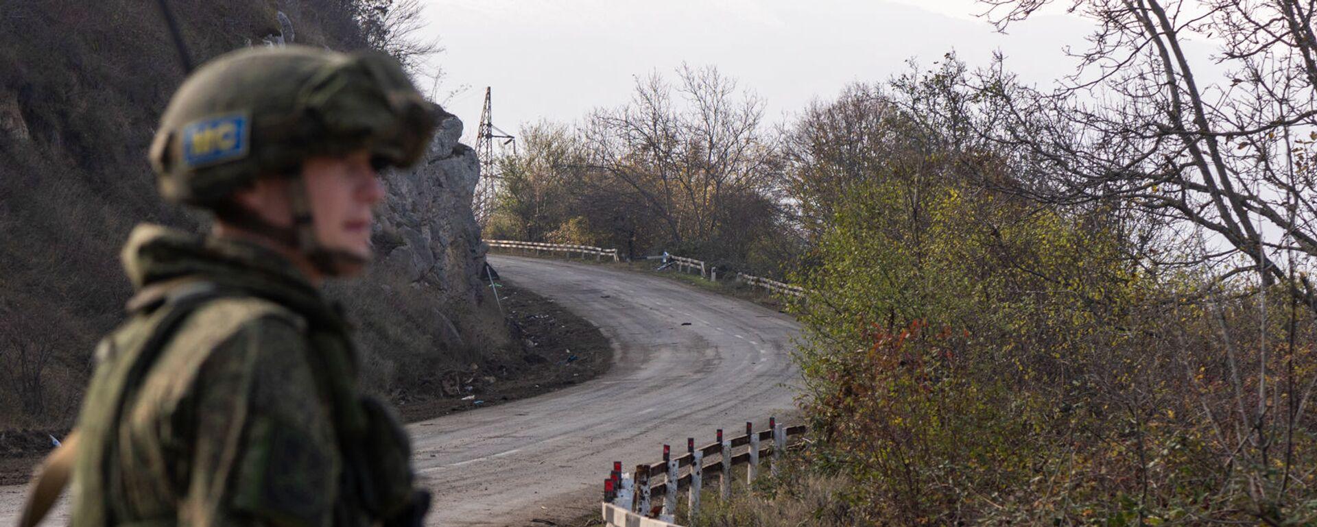 Блокпост российских миротворческих сил в Лачинском коридоре (17 ноября 2020). Карабах - Sputnik Արմենիա, 1920, 10.07.2021