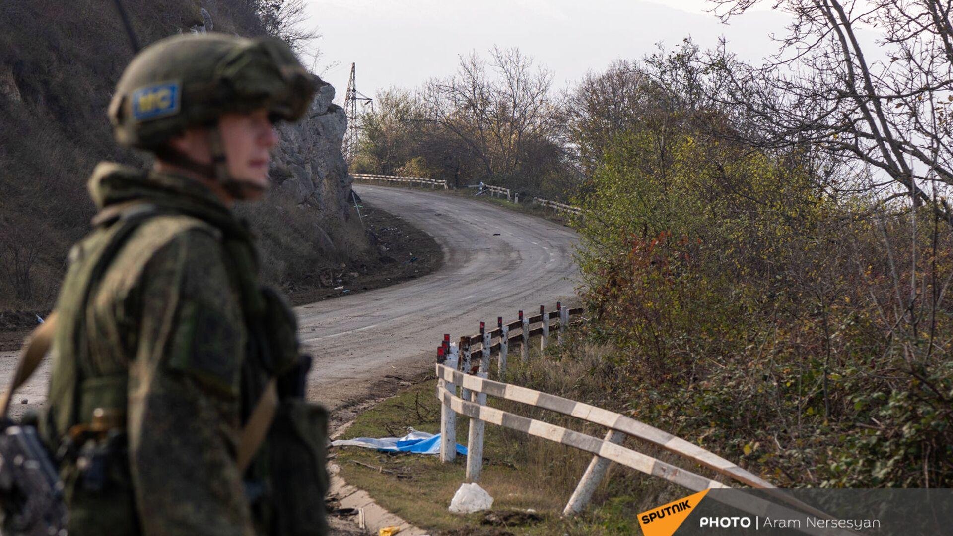 Блокпост российских миротворческих сил в Лачинском коридоре (17 ноября 2020). Карабах - Sputnik Армения, 1920, 13.10.2021