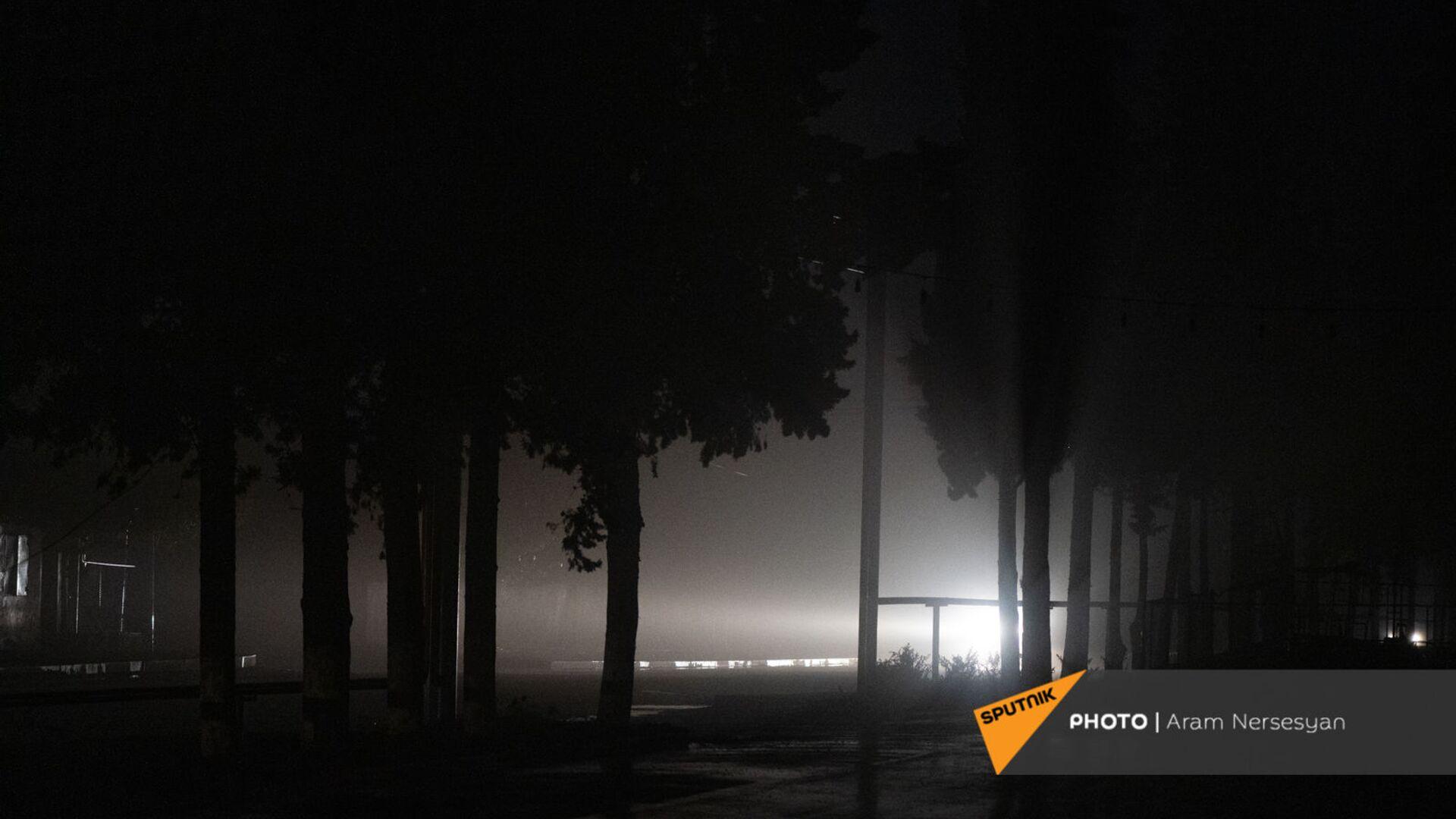 Жители Мартакертского района покидают свои деревни перед передачей земель азербайджанской стороне (18 ноября 2020). Карабах - Sputnik Армения, 1920, 21.09.2021