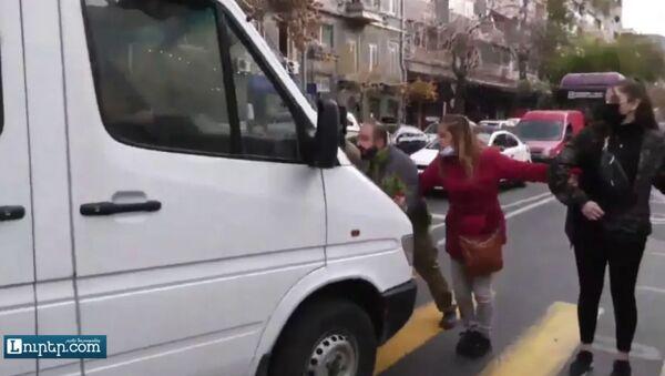 Ճանապարհ փակող աղջկան վրաերթի ենթարկեցին - Sputnik Армения