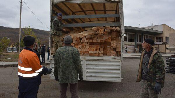 Гуманитарная помощь от МЧС России доставлена в Карабах (21 ноября 2020). Карабах - Sputnik Արմենիա