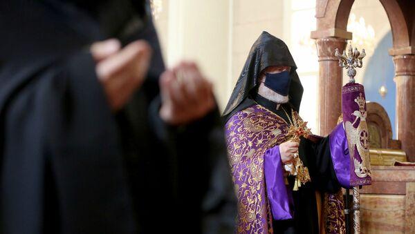 Католикос Великого дома Киликийского Арам I провел литургию в память о погибших героях в карабахской войне (22 ноября 2020). Антилиас, Ливан - Sputnik Արմենիա