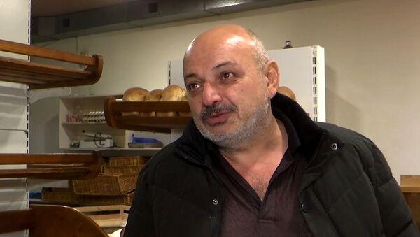 Только ненормальный не будет радоваться миру: люди о жизни в НКР и российских миротворцах - Sputnik Армения