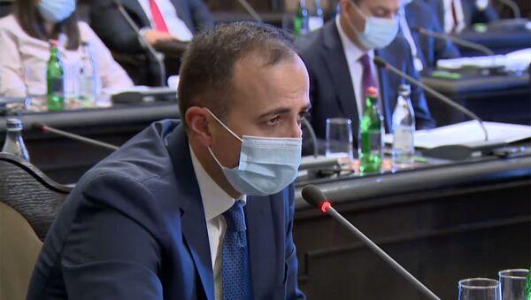 Министр здравоохранения Арсен Торосян во время очередного заседания правительства Армении (26 ноября 2020). Еревaн - Sputnik Արմենիա