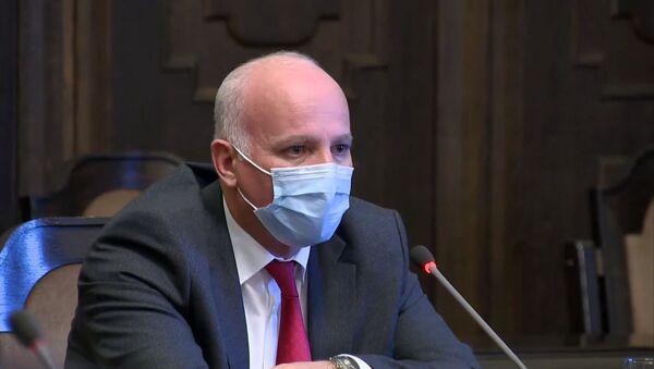 Губернатор Котайка Месроп Месропян во время очередного заседания правительства Армении (26 ноября 2020). Еревaн - Sputnik Армения