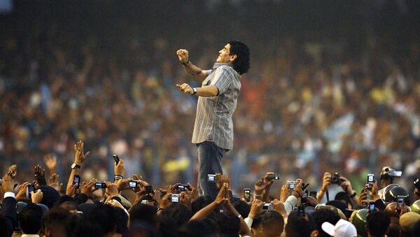 Звезда футбола Диего Армандо Марадона на программе поздравлений на стадионе Солт-Лейк (25 ноября 2020). Калькутта - Sputnik Армения