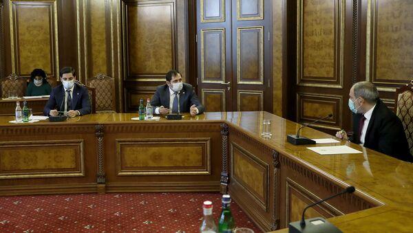 Премьер-министр Никол Пашинян провел консультации в правительстве с участием губернаторов регионов (26 ноября 2020). Еревaн - Sputnik Армения