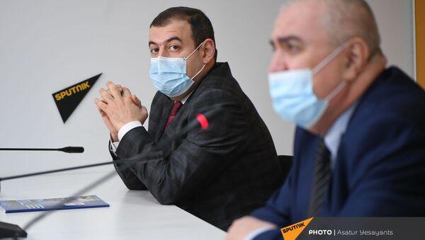 Арам Ананян на пресс-конференции на тему Советская Армения в исторических судьбах армянского народа (27 ноября 2020). Еревaн - Sputnik Արմենիա