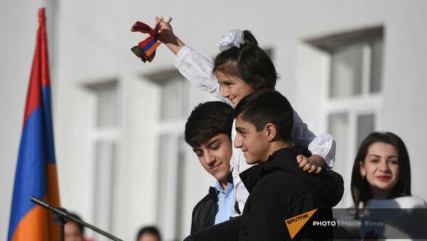 Церемония открытия школы в Степанакерте - Sputnik Армения