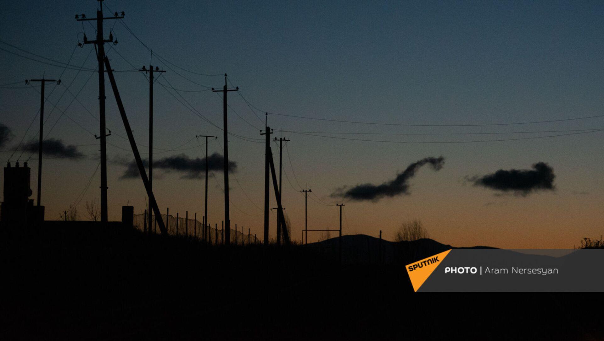 Линии электропередач рядом с трассой М10 в Гегаркуникской области - Sputnik Արմենիա, 1920, 13.08.2021