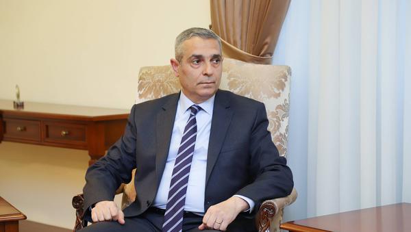 Министр иностранных дел Карабаха Масис Маилян во время встречи с министром иностранных дел Армении (28 ноября 2020). Еревaн - Sputnik Արմենիա