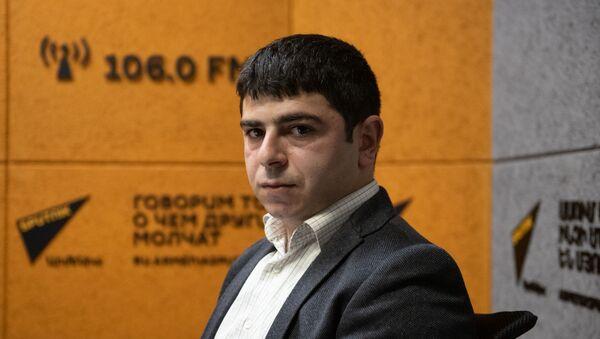 Обозреватель сайта Razminfo Роберт Назарян в гостях радио Sputnik - Sputnik Արմենիա