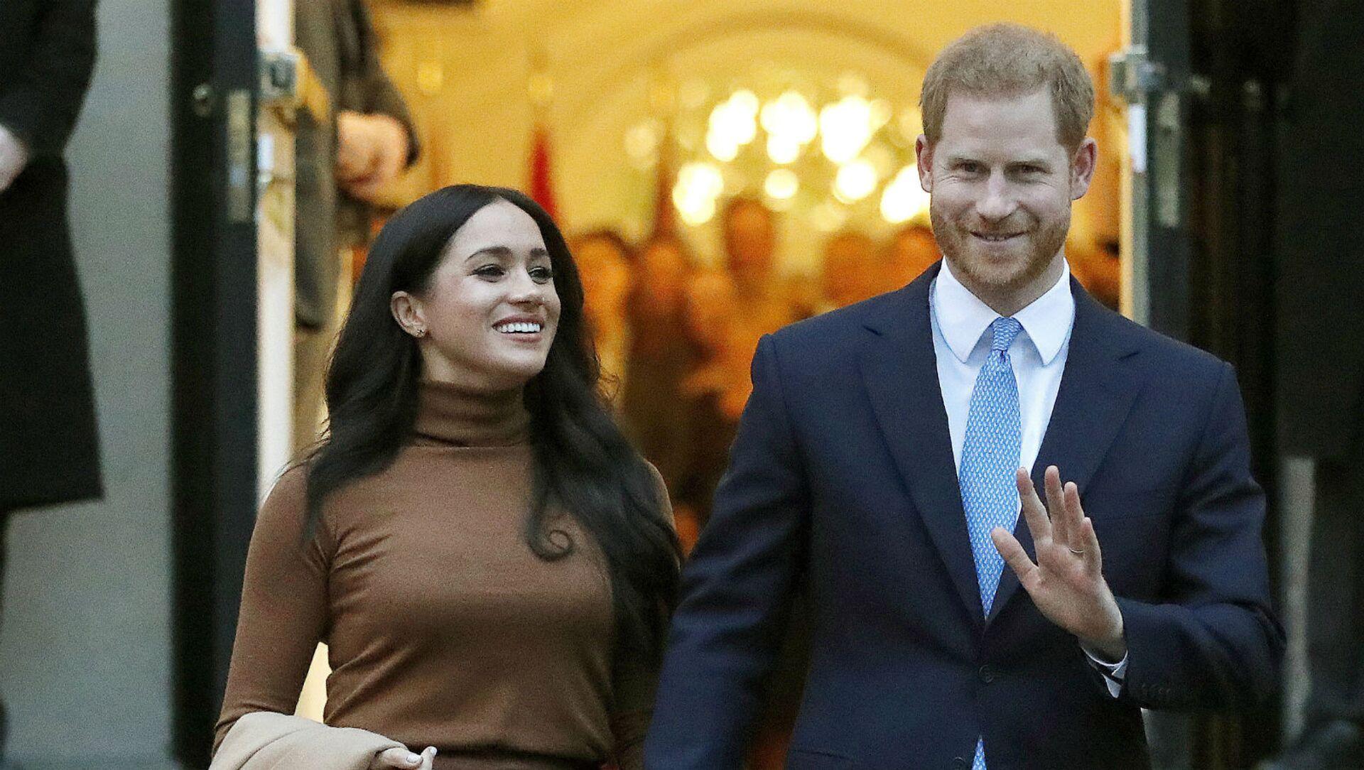 Британский принц Гарри и Меган, герцогиня Сассекская, покидают Canada House (7 января 2020). Лондон - Sputnik Армения, 1920, 01.03.2021