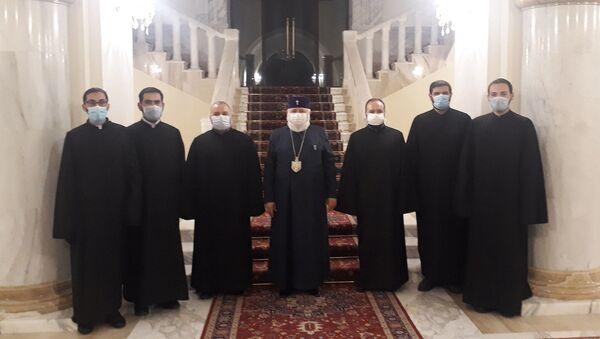 Священники, служащие в Дадиванке, получили благословение Католикоса Всех Армян Гарегина II (1 декабря 2020). Эчмиадзин - Sputnik Արմենիա