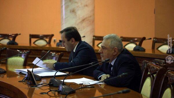 Министр обороны Армении Вагаршак Арутюнян во время очередного заседания министров стран-членов ОДКБ (1 декабря 2020). Еревaн - Sputnik Армения