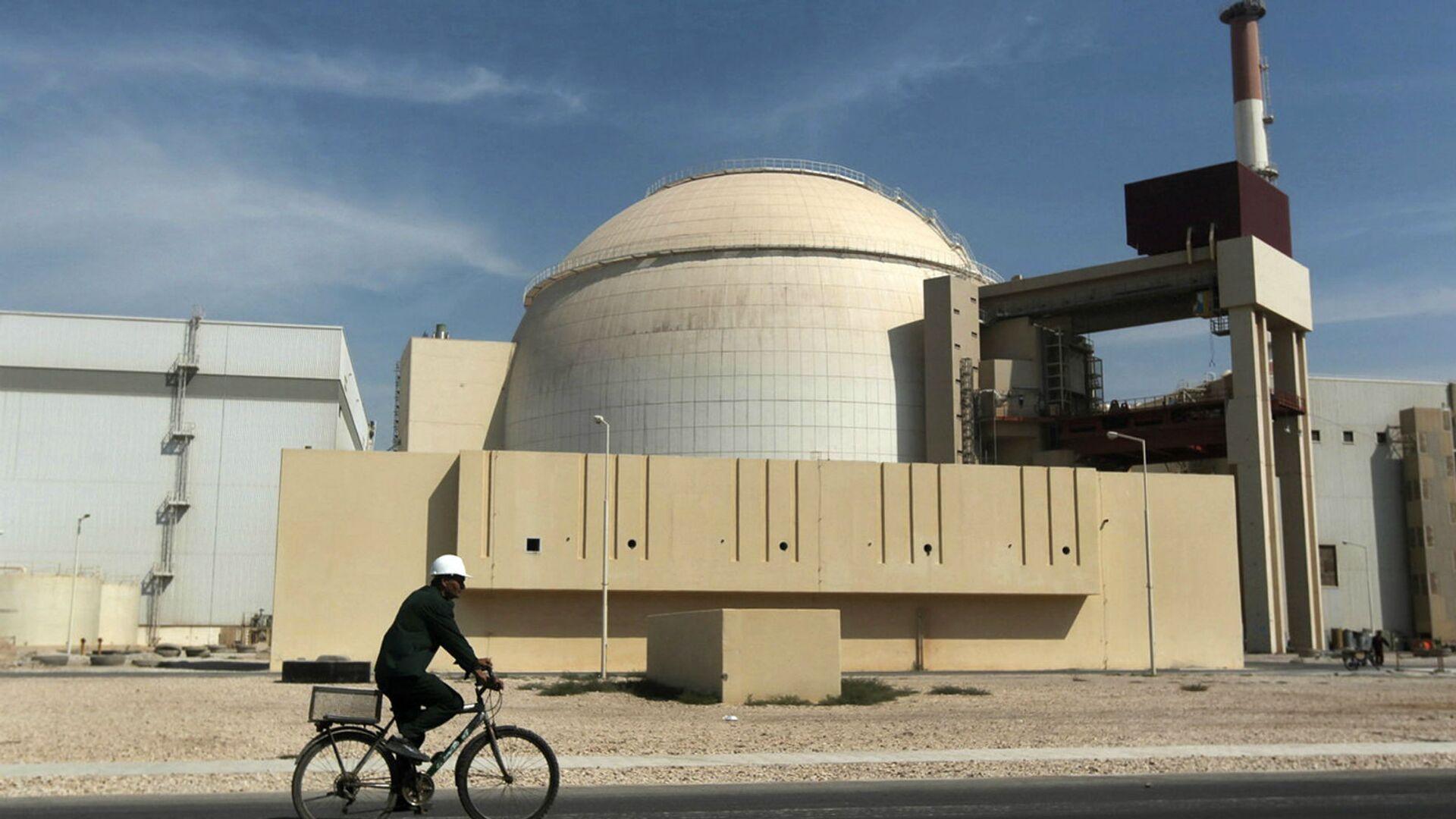 Здание реактора АЭС Бушер (26 октября 2010). Иран - Sputnik Արմենիա, 1920, 19.09.2021