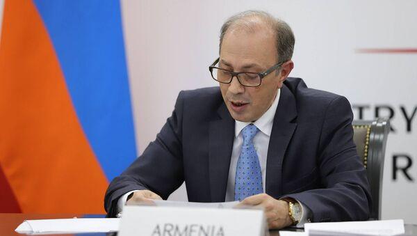 Министр иностранных дел Армении Ара Айвазян принял участие на 27-ой встрече Совета министров ОБСЕ в режиме видеоконференции (3 декабря 2020). Еревaн - Sputnik Армения