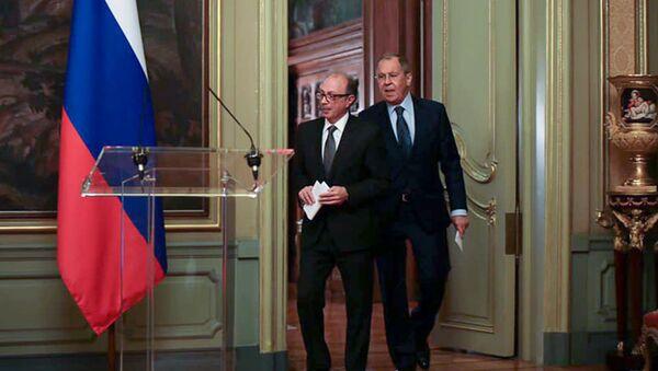 Министры иностранных дел Армении и России Ара Айвазян и Сергей Лавров перед началом совместной пресс-конференции (7 декабря 2020). Москвa - Sputnik Армения