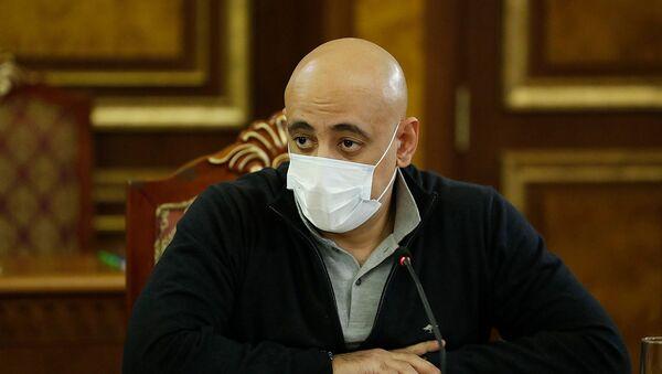 Директор Фонда страхования военнослужащих Варужан Аветикян во время совещания по вопросу дальнейшей деятельности Фонда страхования военнослужащих (8 декабря 2020). Еревaн - Sputnik Армения
