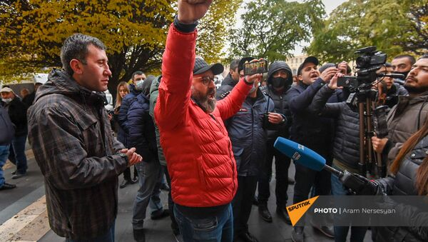 Нарек Малян и Рубен Меликян присоединились к активистам гражданского неповиновения (8 декабря 2020). Еревaн - Sputnik Արմենիա