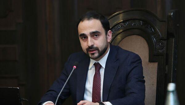 Вице-премьер Тигран Авинян провел заседание межведомственной комиссии по вопросам заключенных, заложников и пропавших без вести (10 декабря 2020). Еревaн - Sputnik Армения