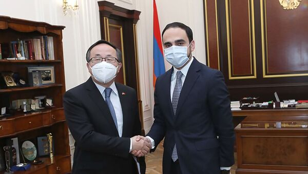 Вице-премьер Армении Тигран Авинян встретился с послом Китая Фаном Юнем (11 декабря 2020). Еревaн - Sputnik Армения