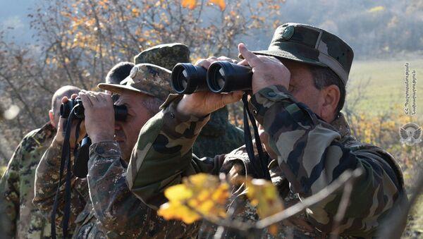 Военнослужащие ВС Армении и резервисты осуществляют совместные работы по формированию и охране новых границ на юге Армении - Sputnik Армения