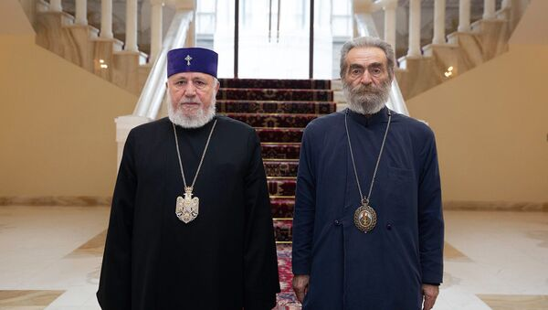 Католикос Гарегин Второй встретился с предводителем Арцахской епархии ААЦ, архиепископом Паргевом Мартиросяном (12 декабря 2020). Эчмиадзин - Sputnik Армения