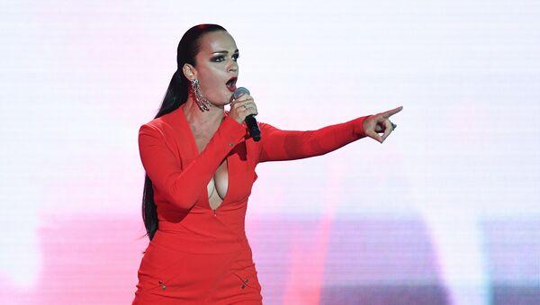 Певица Слава выступает на национальной премии Радиомания (31 августа 2018 ). Москвa - Sputnik Армения