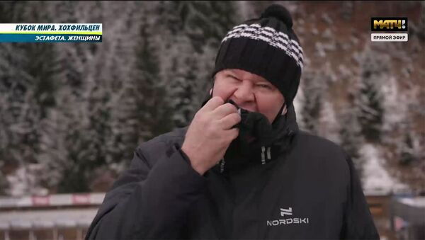 Спортивный комментатор Дмитрий Губерниев съел варежку в прямом эфире - Sputnik Армения