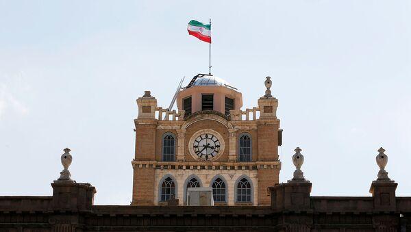 Общий вид сторожевой башни с часами в Тебризе, Иран - Sputnik Արմենիա