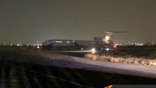 Самолет с пленными на борту приземлился в аэропорту Эребуни (14 декабря 2020). Еревaн - Sputnik Արմենիա