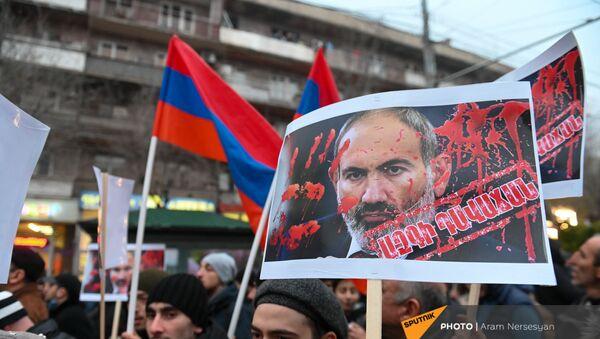 Шествие оппозиции с требованием отставки правительства Армении во главе с премьер-министром (14 декабря 2020). Еревaн - Sputnik Армения
