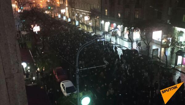 В Ереване стартовала очередная акция протеста с требованием отставки Никола Пашиняна - Sputnik Армения
