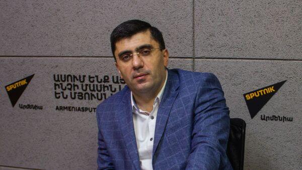 Экономист Армен Ктоян (17 декабря 2020). Еревaн - Sputnik Արմենիա