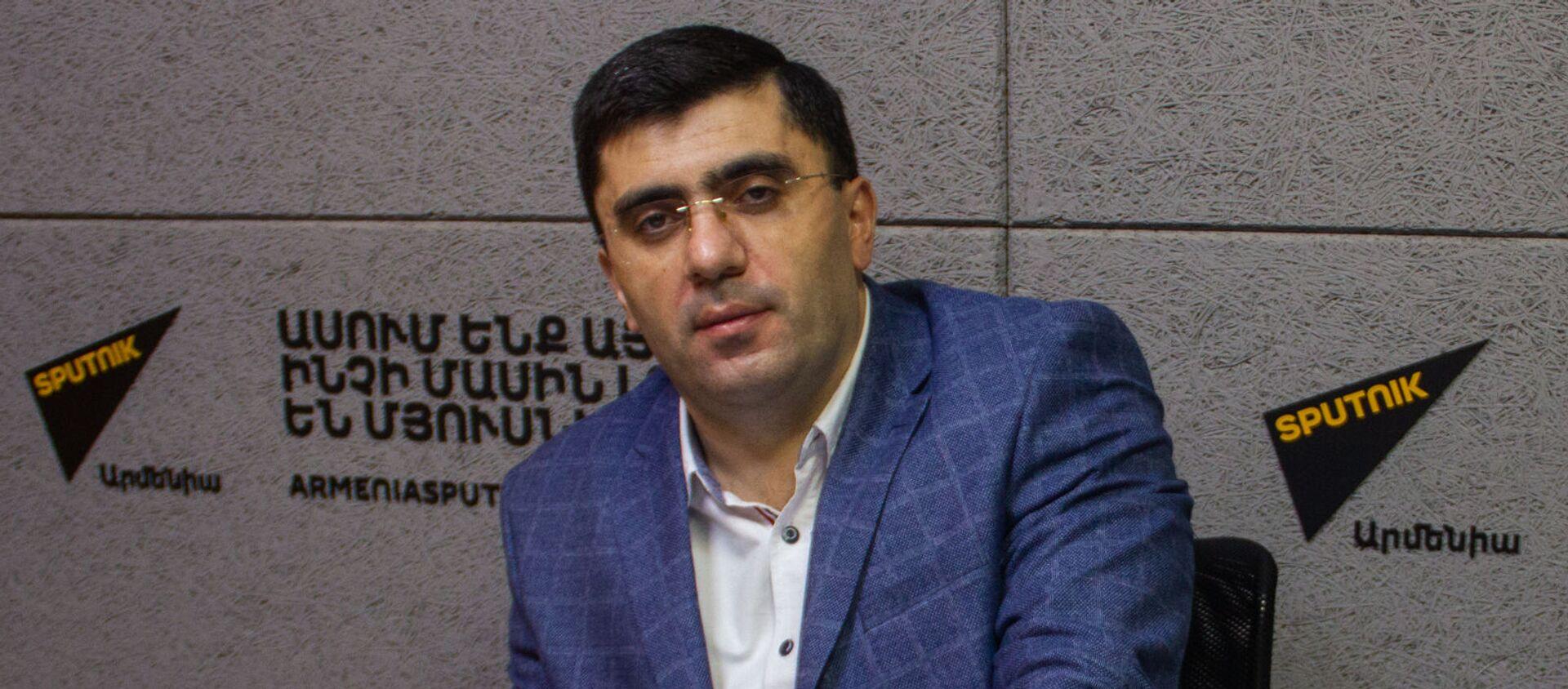 Экономист Армен Ктоян (17 декабря 2020). Еревaн - Sputnik Արմենիա, 1920, 22.07.2021