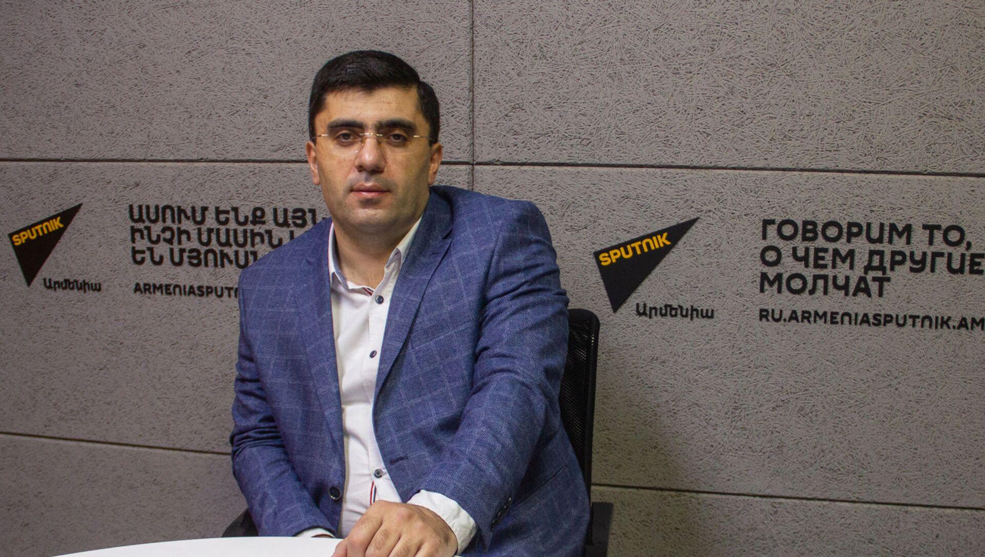 Экономист Армен Ктоян (17 декабря 2020). Еревaн - Sputnik Արմենիա, 1920, 22.06.2021