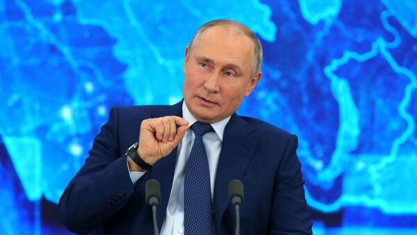 Президент РФ Владимир Путин на большой ежегодной пресс-конференции в режиме видеоконференции (17 декабря 2020). Москва - Sputnik Армения