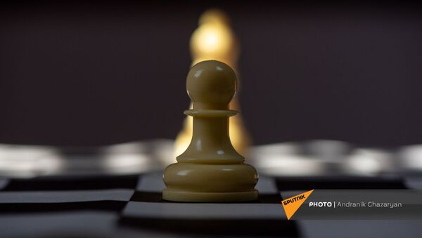 Модернизированные шахматы Джавада Ованнисяна, где каждая пешка имеет свой знак - Sputnik Արմենիա