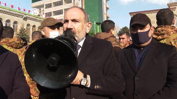 Премьер-министр Никол Пашинян в городе Сисиан (21 декабря 2020). Сюник - Sputnik Армения