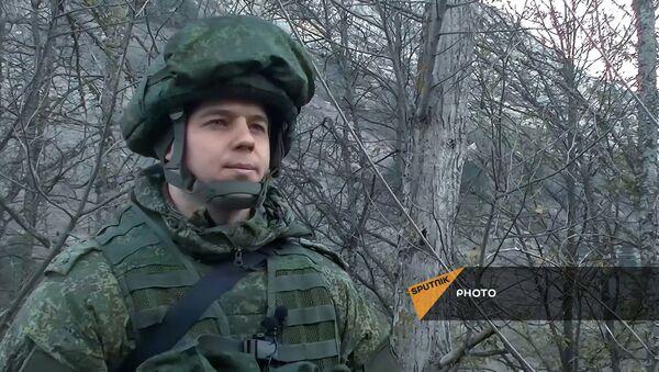 Командир группы разминирования, капитан Виталий Мороз на боевом дежурстве - Sputnik Արմենիա
