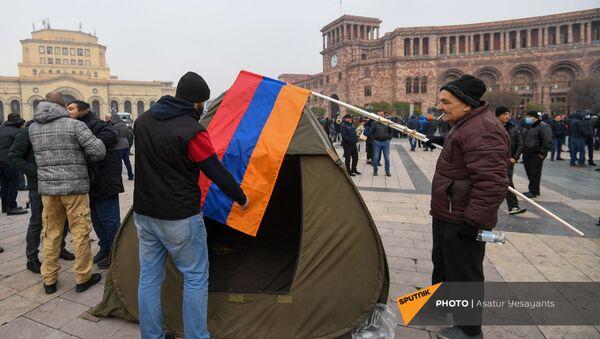 Палатки оппозиции на площади Республики (22 декабря 2020). Ереван - Sputnik Армения