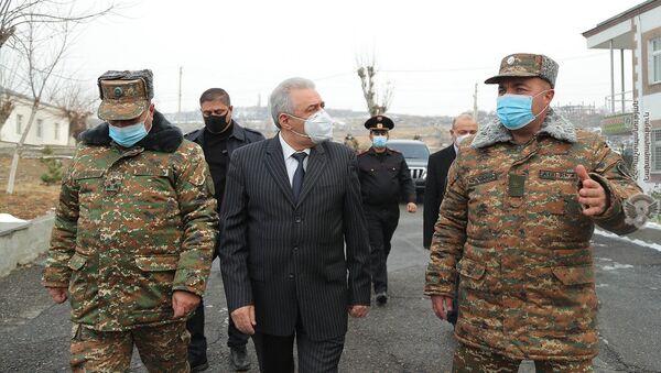 Министр обороны РА Вагаршак Арутюнян посетил бригаду миротворческих сил МО (22 декабря 2020) - Sputnik Արմենիա