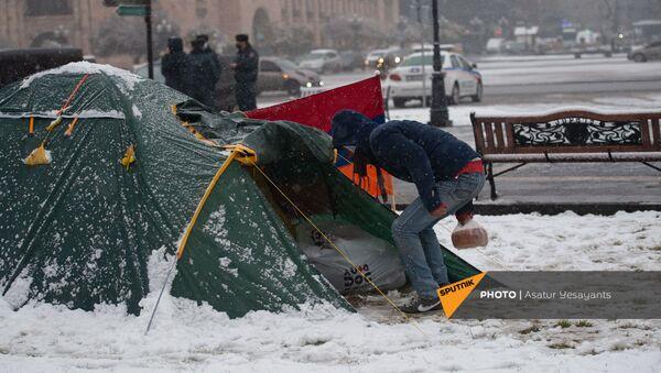 Протестующие на площади Республики в Ереване (23 декабря 2020). Еревaн - Sputnik Արմենիա